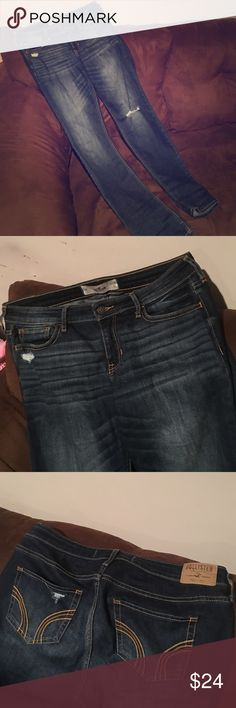 - Hollister Jeans - - Hollister Jeans - Never worn - 9 Long - W29 L34 - dark destroyed wash - Hollister Jeans