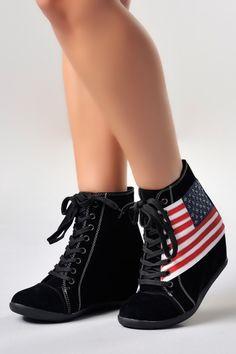 Botines de plataforma con la bandera de Estados Unidos.