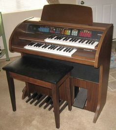 Lowrey Voyager LC-7 Organ with bench #Lowery