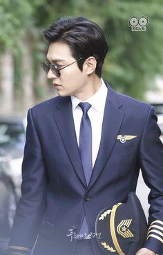 New hairstyles men asian lee min ho Ideas Korean Star, Korean Men, Asian Actors, Korean Actors, Korean Dramas, Heo Joon Jae, Legend Of Blue Sea, Legend Of The Blue Sea Lee Min Ho, Lee Min Ho Kdrama