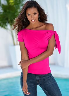 Fuchsia Tie detail top from VENUS. Available in sizes XS-XL!