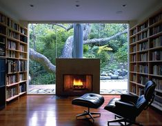 Home library modern eames chairs super ideas Home Library Rooms, Home Library Design, Family Room Design, House Design, Contemporary Windows, Contemporary Chairs, Modern Family Rooms, Modern Room, Courtyard House Plans