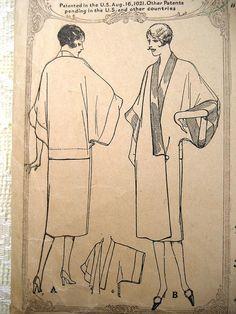 "Vintage 20s Flapper Dress, Negligee Robe Kimono Sleeve Drop Waist McCall 4413 Sewing Pattern. Bust 36"" - 38"""