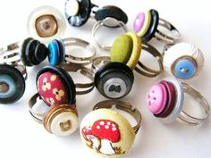 Rings of buttons  http://www.craftstylish.com/item/7137/vintage-button-rings