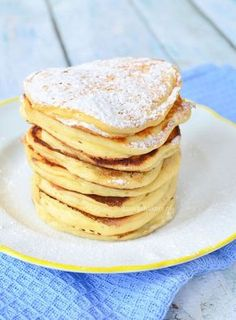 Yoghurt pancakes (Laura's Bakery) Good Healthy Recipes, Healthy Baking, Sweet Recipes, Healthy Sweet Snacks, Yogurt Pancakes, Pancakes And Waffles, Dutch Pancakes, Crepes, Weigt Watchers