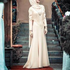"4,457 Beğenme, 10 Yorum - Instagram'da  hijab style icon  (@hijabstyleicon): "" @senaseveer"""