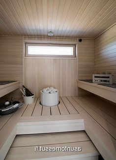 If you are interested in getting the wellness and health benefits of steam without visiting the spa, then you may buy a home unit pre manufactured or produce your own sauna layout. Spas, Modern Saunas, Piscina Spa, Sauna Shower, Indoor Sauna, Traditional Saunas, Sauna Room, Sauna House, Sauna Design