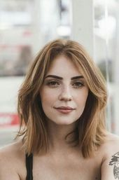 43 Ideas Haircut Oval Face Middle Parts For 2019 Short Hair Styles Easy, Cute Hairstyles For Short Hair, Bob Hairstyles, Straight Hairstyles, Curly Hair Styles, Trendy Hair, Short Straight Haircut, Oval Face Hairstyles, Hairdos
