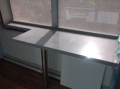 My favorite engineered Stone by Silestone 40mm breakfast bar Aluminium Nube (cielo series) Stone by EMG