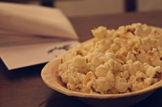 L'atelier supperclub - popcorn flavoured with freeze-dried yoghurt