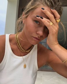 Related posts:Amazing headband and nice makeupMakeup, rings and hatCute gold accessories idea for women Gold Accessories, Fashion Accessories, Fashion Jewelry, Fashion Necklace, Foto Casual, Accesorios Casual, Cute Jewelry, Gold Jewelry, Hippie Jewelry