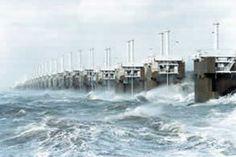 deltawerke holland - Deltawerke Schutz gegen das Meer Große Überschwemmungen stehen weltweit regelmäßig in den Schlagzeilen und sie bilden seit jeher eine große Bedrohung für die Niederlande die teilweise unter dem Meeresspiegel liegen.