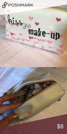 "Makeup Bag Brand New make up bag ""kiss and make-up"" adorable Bags Cosmetic Bags & Cases"