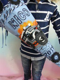 NR 203 Schultüte Ranger Auto in normler Größe EIN UNIKAT erst Schultüte dann Kissen Sie sehen hier eine Schultüte die später zum Sofakissen wird. Eine Schultüte in den Farbe:  Blau Grau Orange