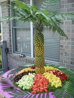 Tropical party. Easy to make fruit table for desert with icecream?