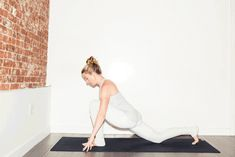 6 yoga moves from Lyons Den owner Bethany Lyons