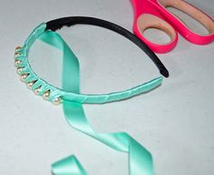 ribbons unlimited inc.: Satin Headband with Pinky