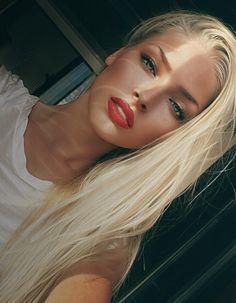 Gorgeous #straight #blonde #hair!