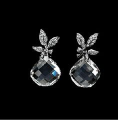 The beautiful earring is coming from the Winter frost collection, from Ole Lynggaard