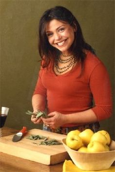 30 Minute Meals on Food Network. She cooks. She writes. She talks. She bubbles!  She's queen of the 30-minute meal.  She put EVOO in the dictionary.  She's delish!  She's yum-o!     She's Rachael Ray!