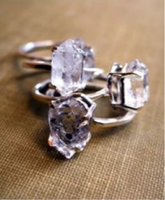 dream ring; want to get it with three diamonds that are stacked like this