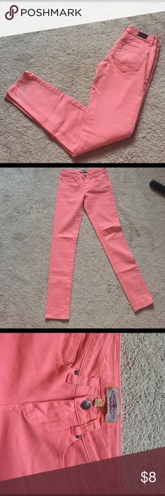 Iris jeans pink Pink Iris jeans, I've worn a couple times. On the back of the jean, there's a little flaw that I'm sure will wash right out. Picture shown (last) but other than that- good condition. Inseam -30 Iris jeans Jeans Skinny