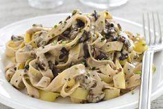 Tagliatelles à la forestière Weight Watchers,une bonne assiette de pâtes à la sauce crémeuse aux champignons, très facile à faire pour un repas du soir.