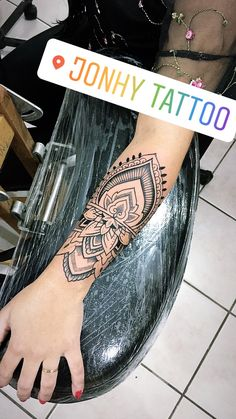 Jonhy Pires tattoo – foot tattoos for women Side Foot Tattoos, Foot Tattoos For Women, Sleeve Tattoos For Women, Forearm Tattoos, Body Art Tattoos, Mini Tattoos, Boho Tattoos, Anklet Tattoos, Tatoos