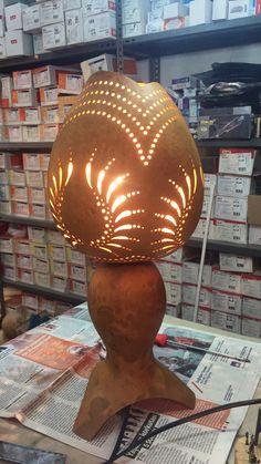 Pyrography Patterns, Gourd Lamp, Pumpkin Art, Unique Lamps, People Art, Lamp Design, Lamp Light, Wood Art, Wood Crafts