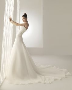 Aire Barcelona Bridal Gown Style - Baruk