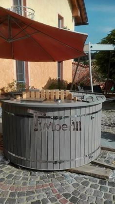 Badefass mit Kunststoff, Alfred Niedermayer, Ort im Innkreis, Austria -