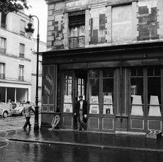 vintage everyday: Magnificent Mid-Century Photos of Paris Paris Images, Paris Photos, Vintage Photography, Street Photography, Photo New, Best Vacation Destinations, Old Paris, Vintage Paris, Beautiful Paris