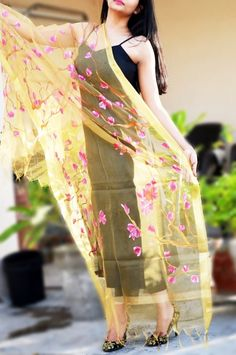 Golden Organza Floral Stole - Stoles Buy this exclusive hand-painted stole from www.colorauction.com #handpainted #stoles #scarves #golden #floral #pinkflowers
