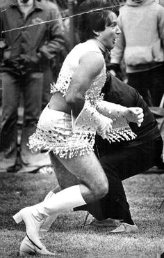 """Robin Williams as """"Mork"""" was Denver Broncos' first male cheerleader!!! How awesome is this???"""