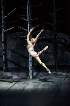 """Slideshow:'Frankenstein""""' at the Royal Opera House by Gabriella Daris (image 1) - BLOUIN ARTINFO, The Premier Global Online Destination for Art and Culture   BLOUIN ARTINFO"""