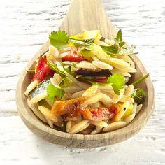 Risones aux légumes grillés et à la tapenade de tomates