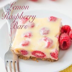 Lemon Raspberry Bars - Raspberries - Ideas of Raspberries - This is the number one most requested dessert by all of our friends and family Lemon Raspberry Bars with a buttery graham cracker crust! Desserts Keto, No Bake Desserts, Easy Desserts, Delicious Desserts, Yummy Food, Baking Desserts, Easy Raspberry Desserts, Fresh Raspberry Recipes, Tasty