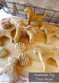 Homemade Dog Treat Recipe–Peanut Butter Cookies -  These are super easy to make!  EverythingEtsy.com #dogs #recipe