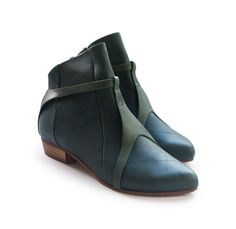 Forest Green - Autumn feeling...  http://liebling-shoes.com/english/shop/new-arrivals/jammy-boots-forest-green.html