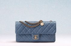 chanel-cruise-2013-handbags-10