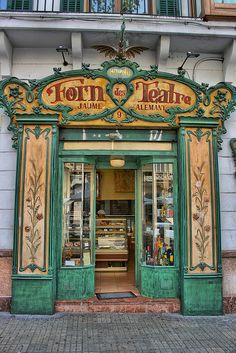 Forn des Teatre, Palma, Mallorca Oldest bakery in towm. Buy you ensaimades there, like the Spanish Royal family. A modernism jowel Palma de Mallorca Art Nouveau, Menorca, Estilo Retro, Balearic Islands, Shop Fronts, Shop Around, Shop Signs, Windows And Doors, Ibiza