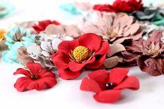 Little Birdie Mixed Media & Stunning Flowers Little Birdie, Mixed Media, Core, Flowers, Products, Royal Icing Flowers, Flower, Florals, Gadget