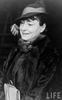 "Dorothy Parker -  ""The first thing I do in the morning is brush my teeth and sharpen my tongue."""
