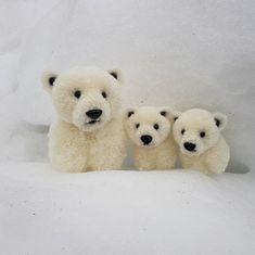 Watch This Video Incredible Crochet a Bear Ideas. Cutest Crochet a Bear Ideas. Easy Diy Crafts, Cute Crafts, Diy Craft Projects, Crochet Projects, Pom Pom Animals, Felt Animals, Crochet Bear, Cute Crochet, Beautiful Crochet