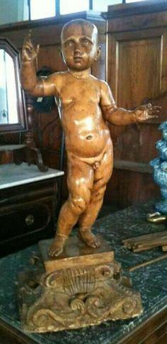 Menino Jesus em madeira policromada.séc.XVIII