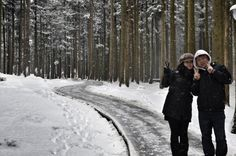 여름처럼 더웠던 오늘! 시원한 겨울풍경을 배경으로 찍은 저희부부의 사진을 보냅니다!! #트위터 @tuburkis님