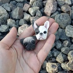 Polymer clay bulldog and pug by @vell__vett (IG)
