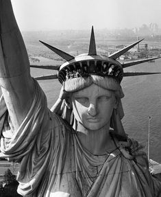 Margaret Bourke White, Liberty New York, Lady Justice, New York Harbor, Artist Biography, Happy 4 Of July, Life Pictures, Photo Essay, Picture Collection