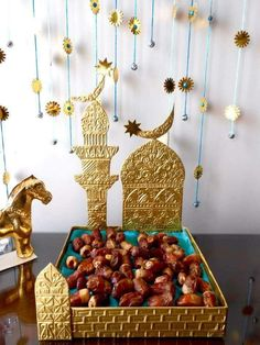 Ramadan, the nation's longest holy season, has always had its festive side. Ramadan is the most wonderful time of the … Ramadan Gifts, Ramadan Mubarak, Jumma Mubarak, Ramadan Decorations, Festival Decorations, Eid Crafts, Paper Crafts, Decoraciones Ramadan, Eid Cake