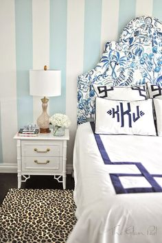 Blue and White Monday: One Room Challenge